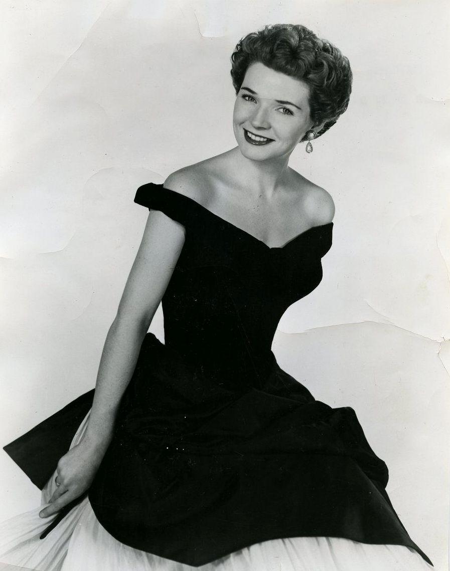 Estella Warren