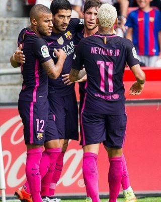 24 09 16 Sporting Gijon 0 X 2 Barcelona Neymarjr Neymar Fcbarcelona Jogo Em Andamento Camisas De Futbol Uniformes De Futbol Futbol Messi