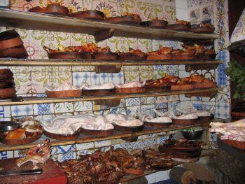 Roast suckling pig at casa botin in madrid spain best for Casa botin madrid