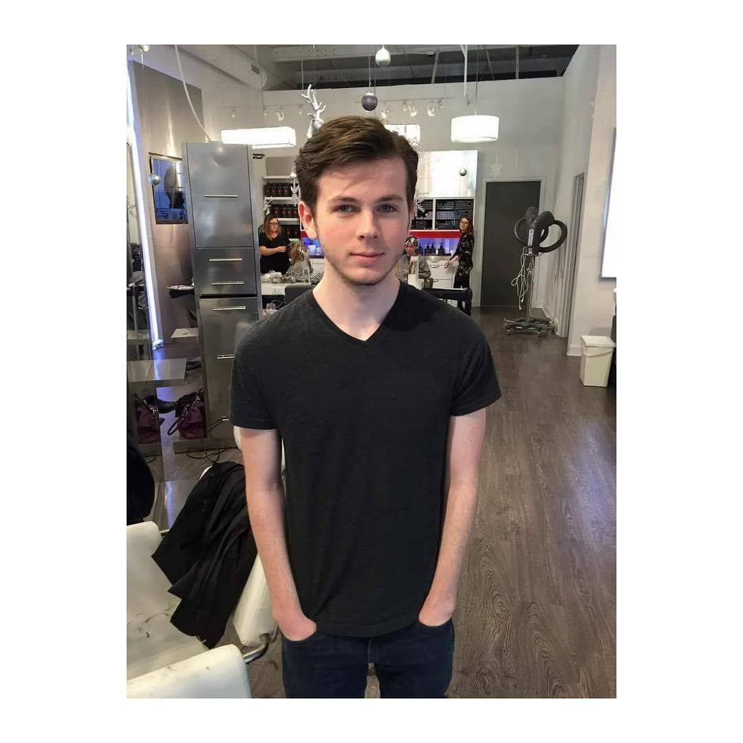 Chandler Riggs And His New Haircut Chandlerriggs5 Chandlerriggs Carlgrimes Chandler Riggs Carl Grimes New Haircuts