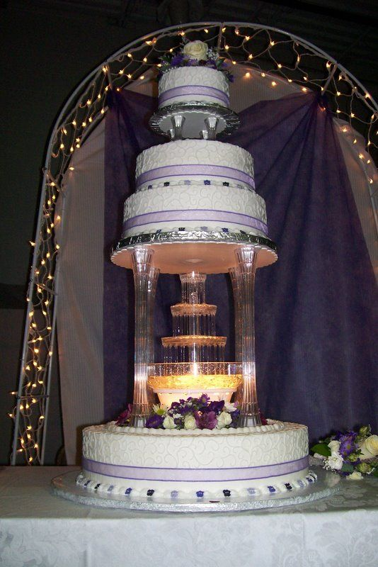 Wedding Cake With Water Fountain I Had This But Mine Had 3