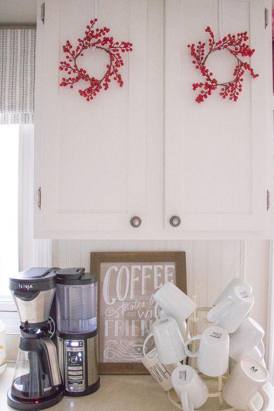 Easy Holiday Mini Berry Wreaths - Sypsie.com