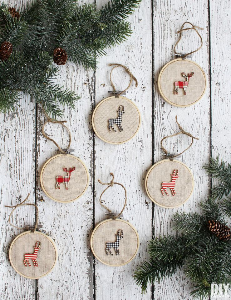 e019f3ac8bad9b Embroidery Hoop Ornaments. How to make embroidery hoop ornaments for your  Rustic Themed Christmas Decor. Easy deer embroidery hoop Christmas ornaments.  ...