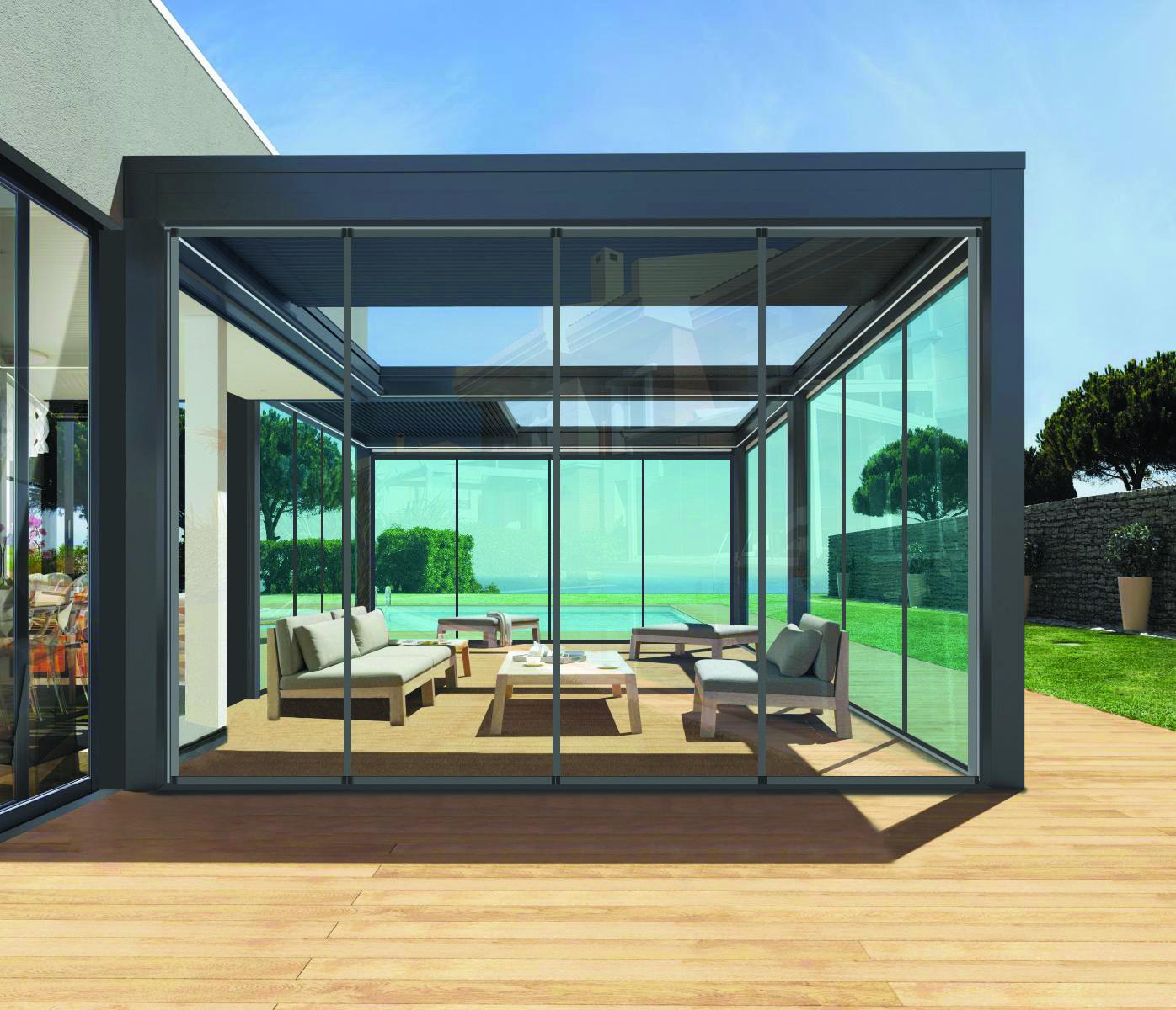 Giardino D Inverno In Vetro veranda realizzata con una copertura amovibile e chiusure