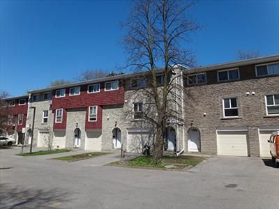 560 570 Waverly Street North Apartments For Rent In Oshawa On Http Www Rentseeker Ca Managed By Realstar Apartments For Rent Oshawa Townhouse