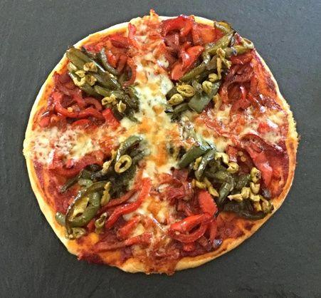 RECIPAY.COM - Pizza basque poivrons Etorki