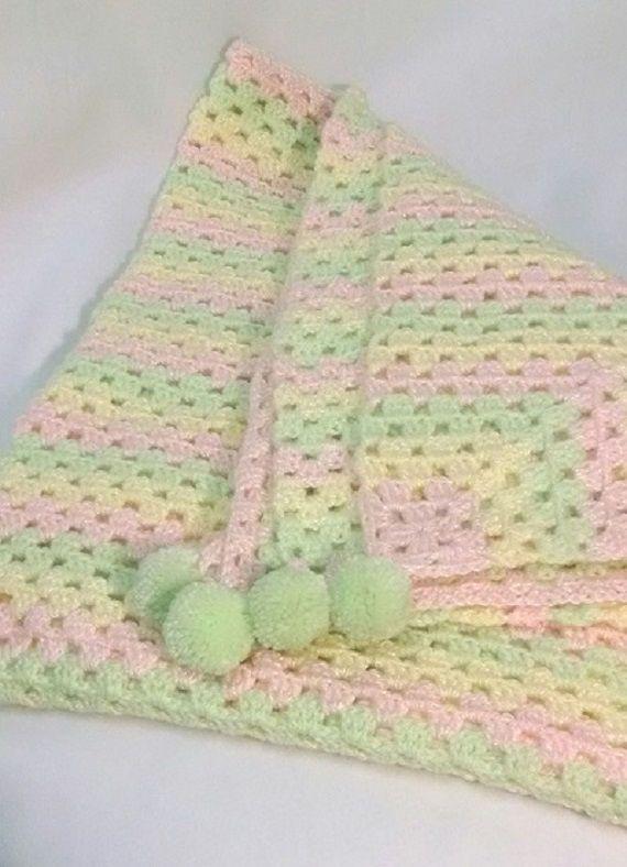 Manta para bebé tejida a mano crochet. Cobertor. por ByIngridJose ...