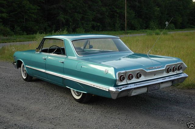 1963 Chevrolet Impala 4 Door Hardtop Sedan Paint It Two Tone Brown And Lose The Rear Fender Skirt And This Chevrolet Impala Classic Cars Classic Cars Trucks