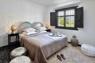 Makuuhuoneen sisustuksessa toimii mainiosti ripaus eksotiikkaa. #etuovisisustus #makuuhuone #zocohome