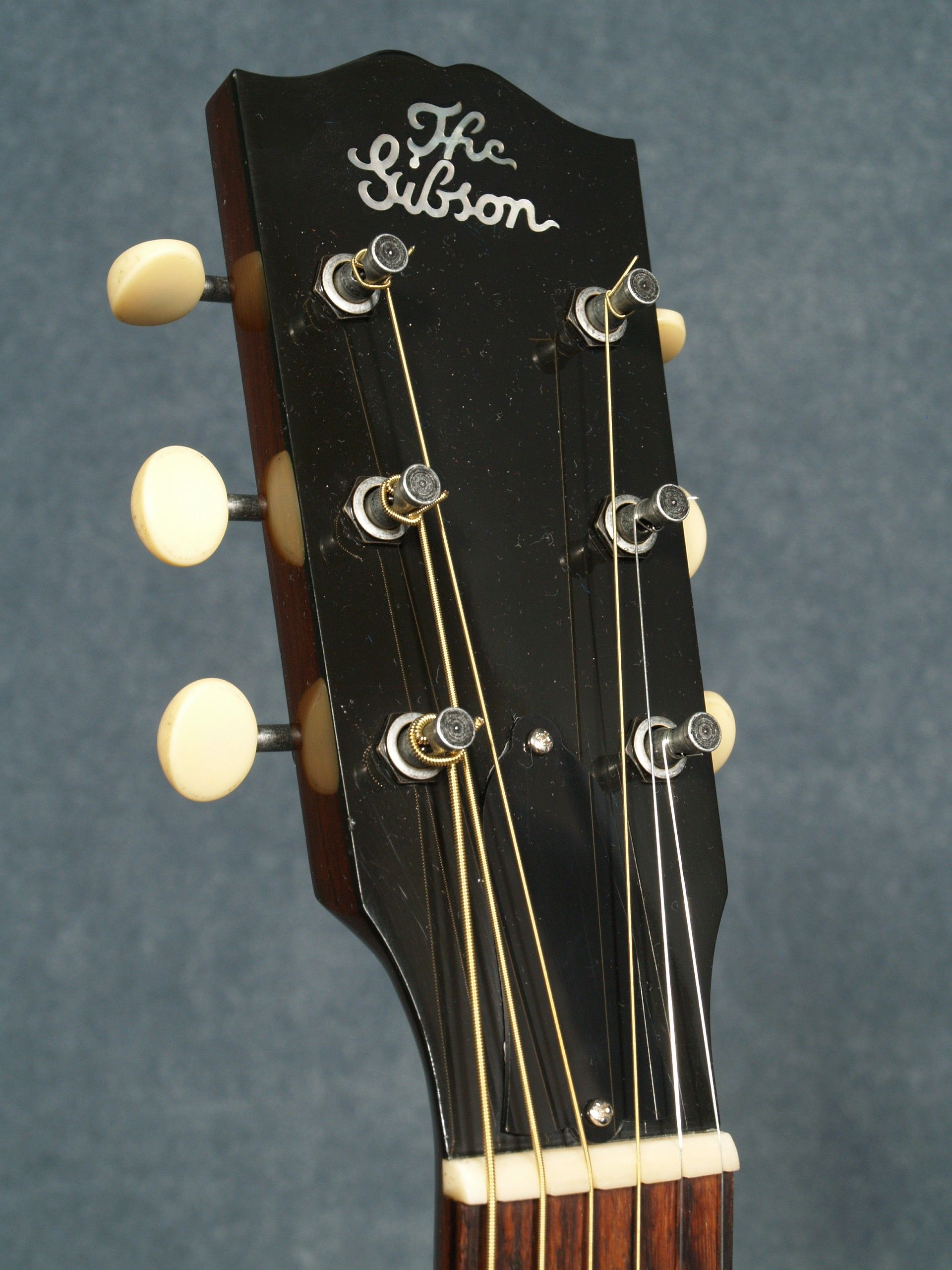 Gibson 1928 Blues Tribute Headstock And Script Logo Acoustic Guitar Gibson Acoustic Acoustic
