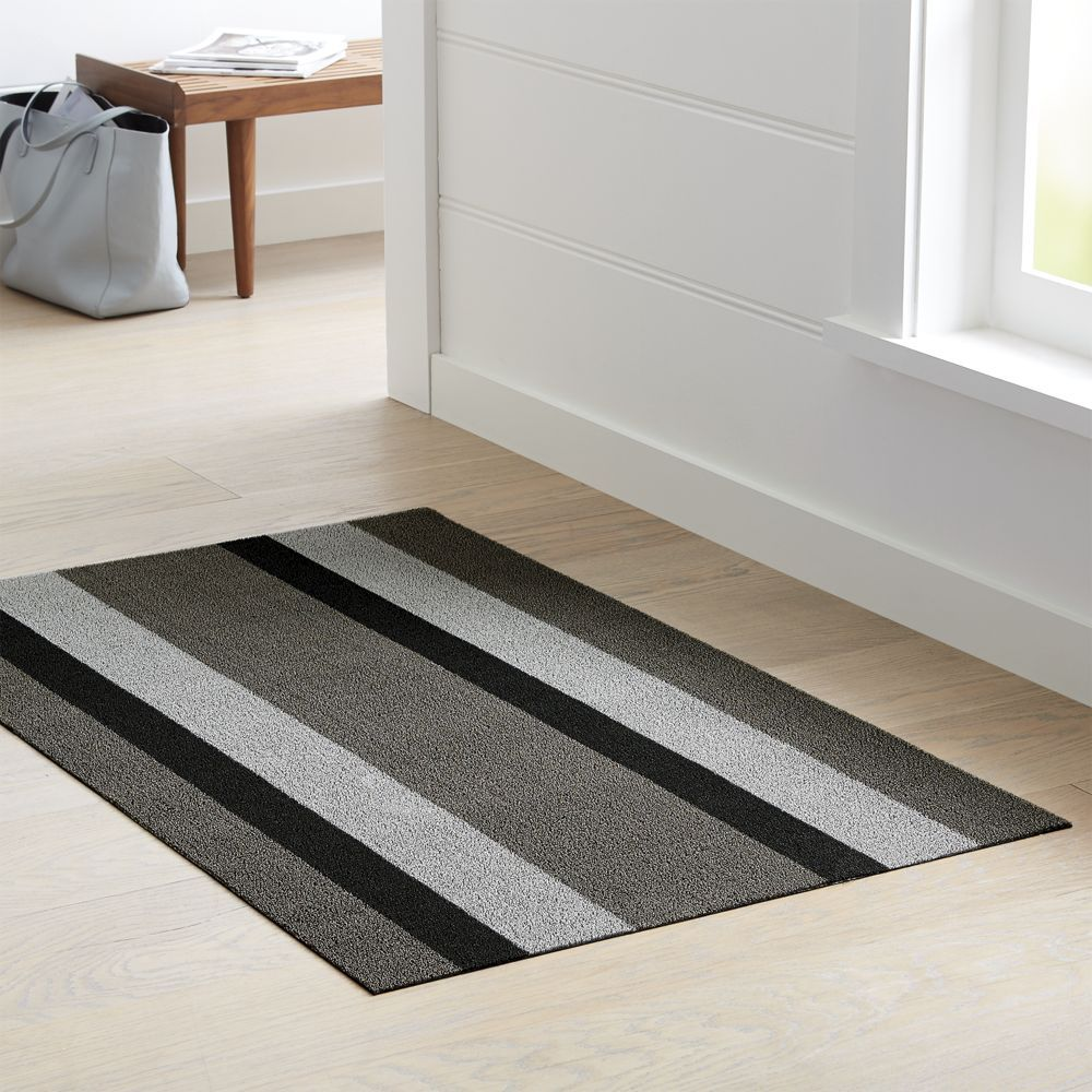 Chilewich Silver Black Woven Floormat 36 X60 Reviews Crate And Barrel Shabby Chic Bedrooms Shabby Chic Bedroom Furniture Crate Barrel