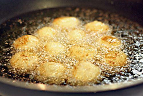 rice coconut balls-   Food, Karioka recipe, Filipino desserts