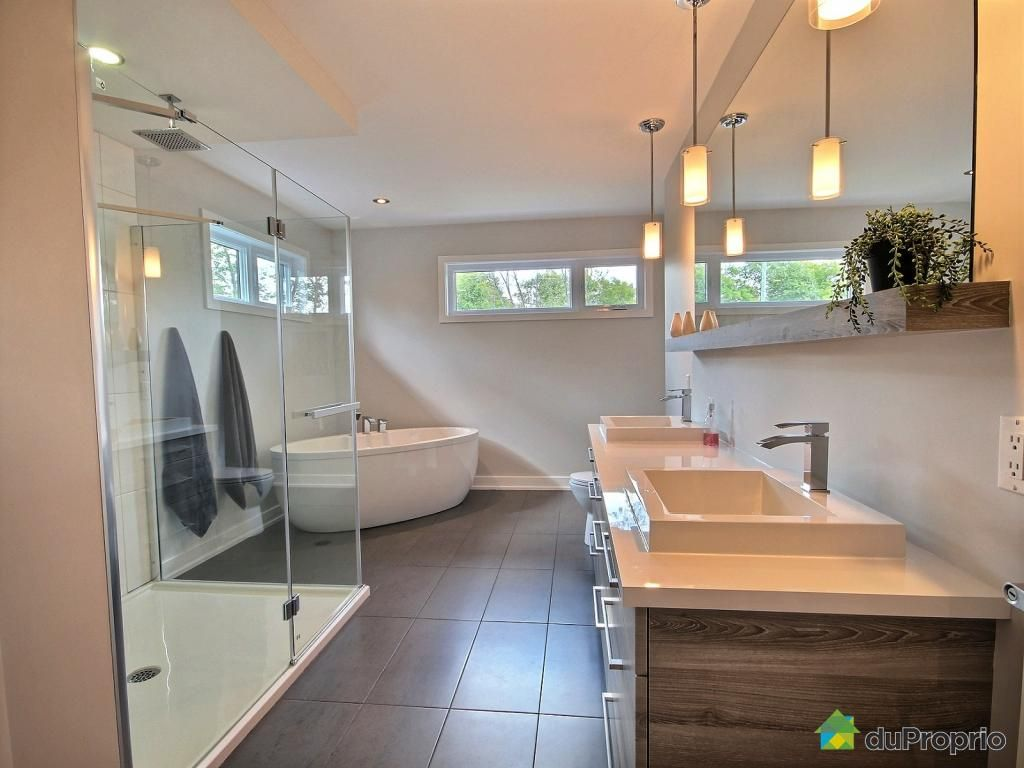 de style urbain splendide maison de 2200 pieds carr s aire ouverte cl en main maison. Black Bedroom Furniture Sets. Home Design Ideas