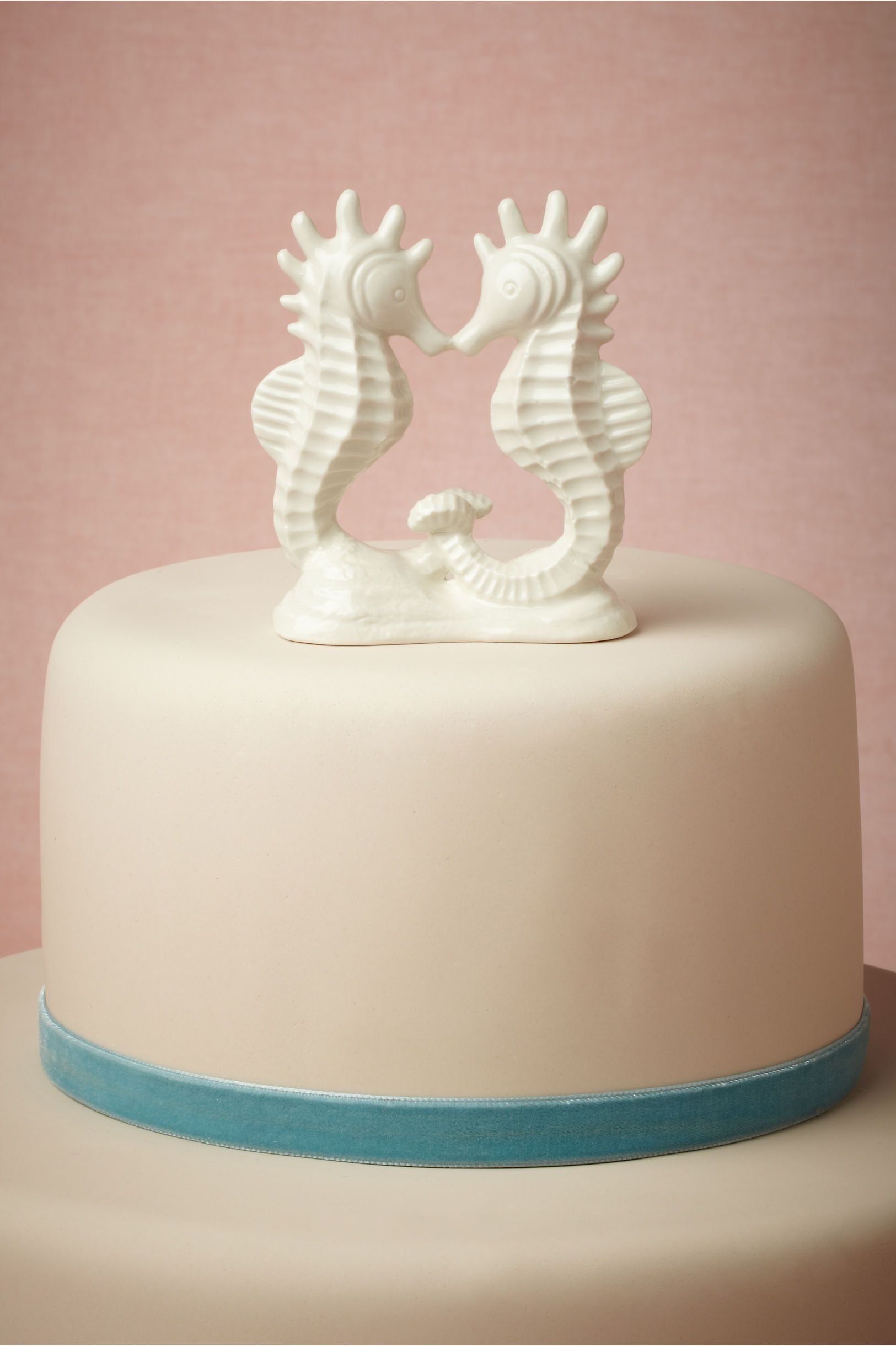 Sweet seahorse cake topper from BHLDN. (Maybe for Bahamas ...