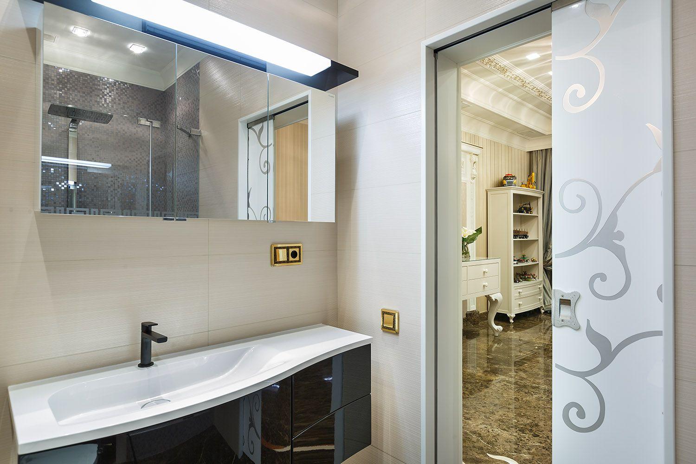 Photo of Bathroom interior design project in classic style. Interior Designer DASCHA MAYER