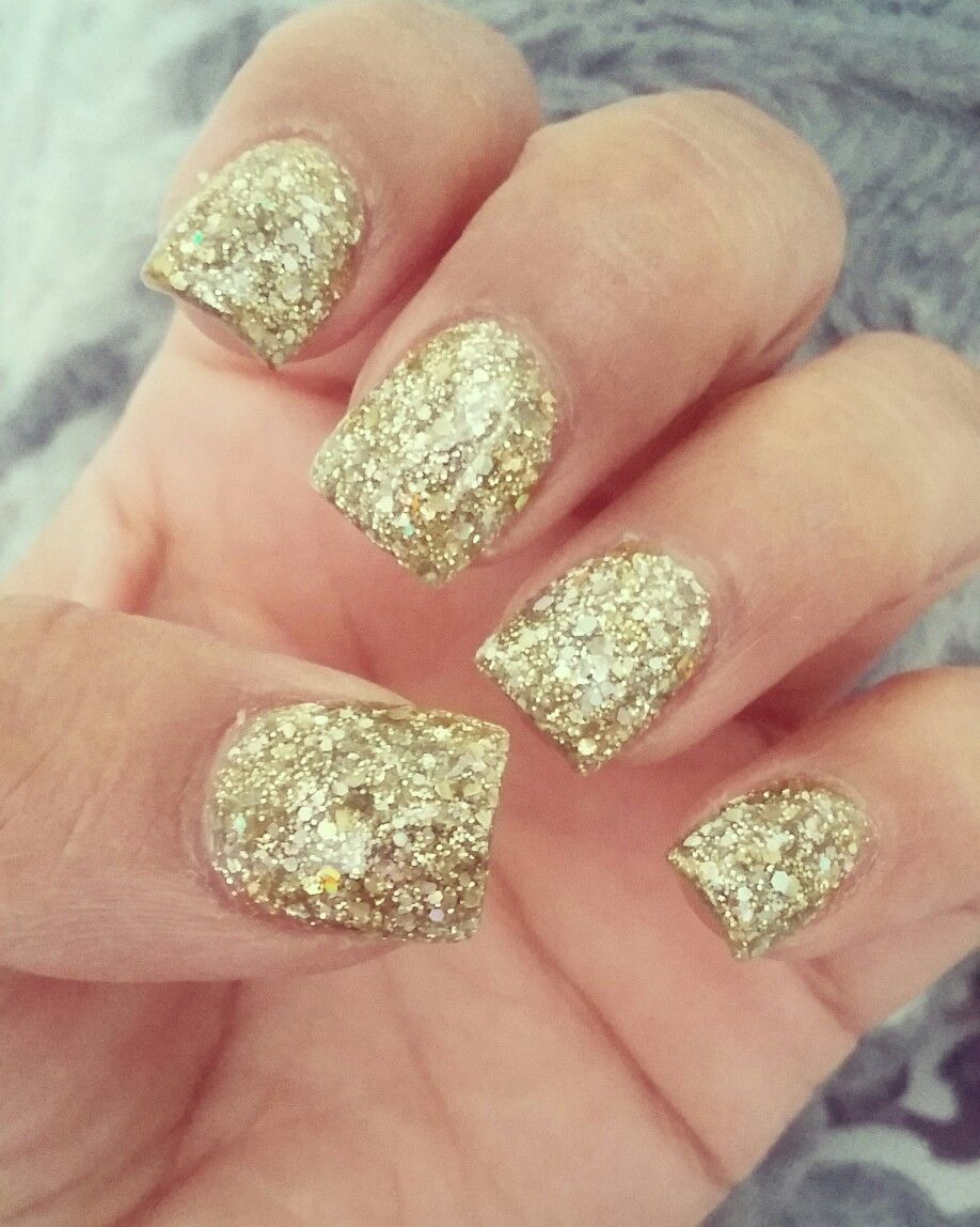 Gold Glitter Nails Gold On Gold Acrylic Nails Short Glitter Nails Glamorous Nails Rock Star Nails Rock Star Nails Gold Glitter Nails Glamorous Nails