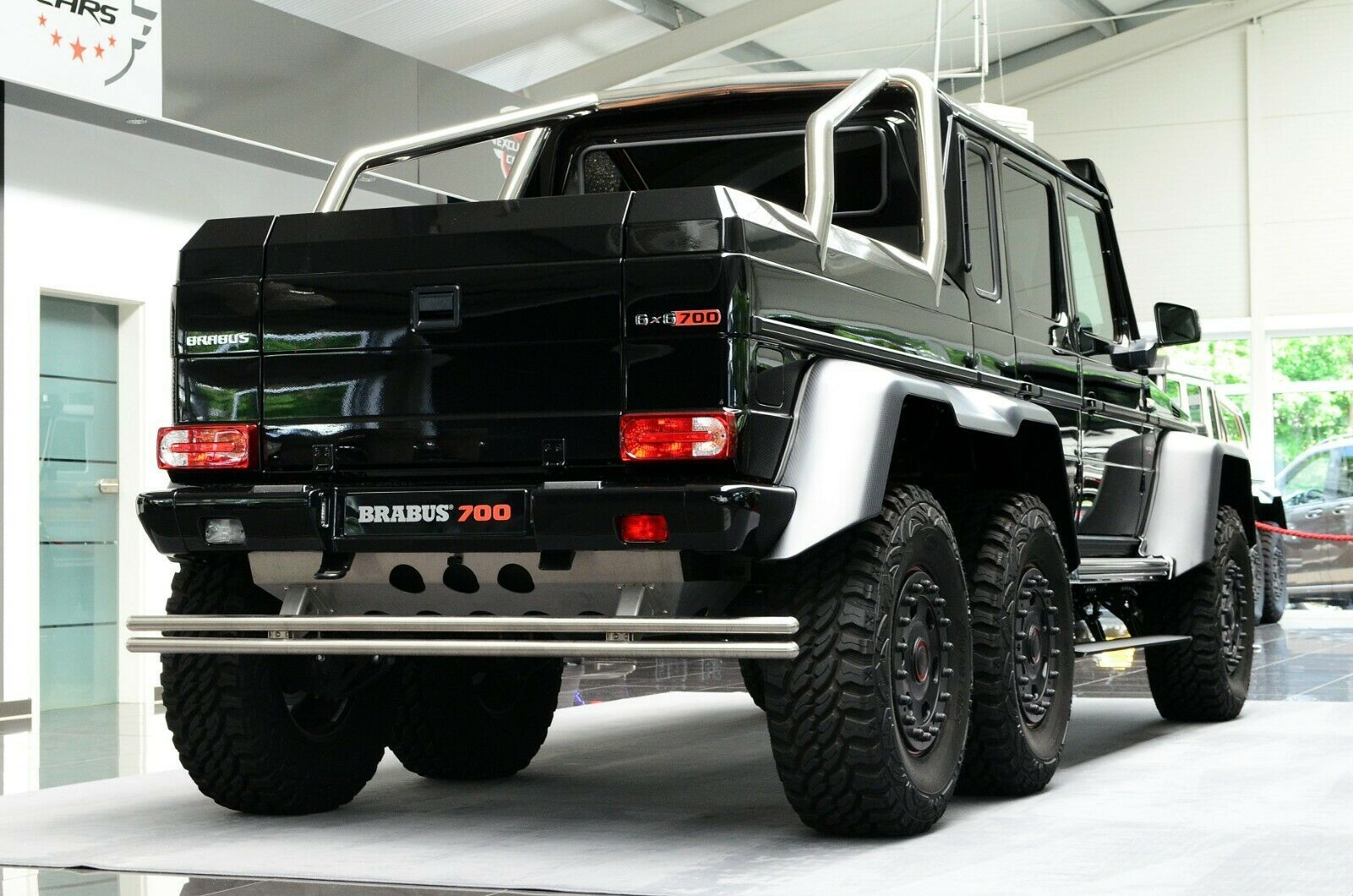 Mercedes Benz G 63 Amg 6x6 Brabus700 1of15 Luxury Pulse Cars