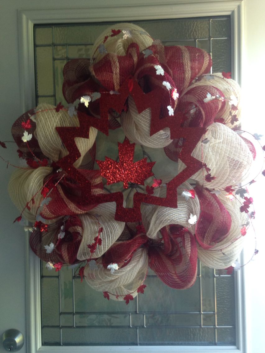 Canada day wreath … (With images) Canada day crafts