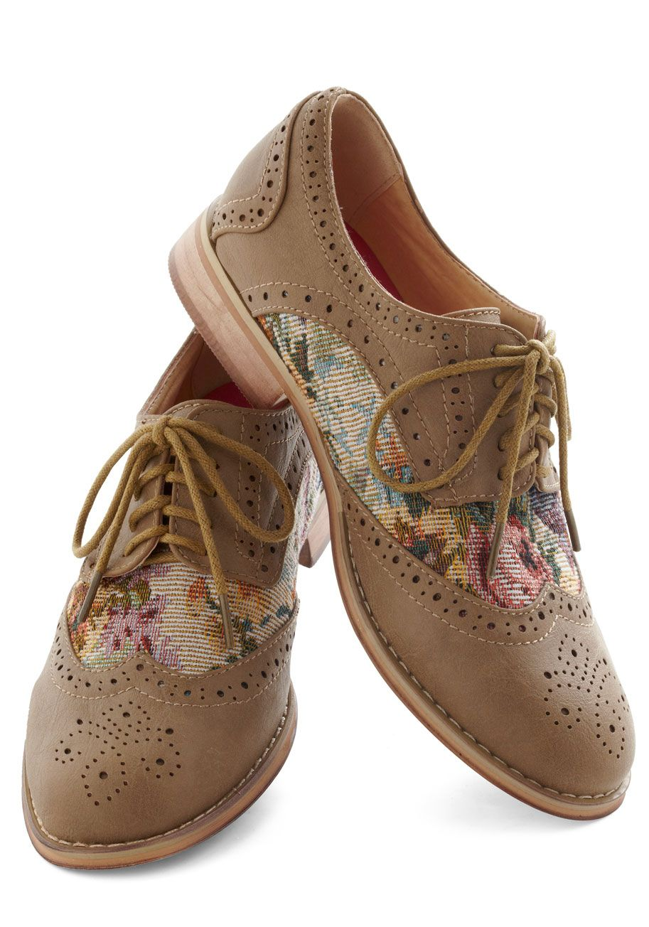 Women's Shoes: Cute Retro & Modern Styles