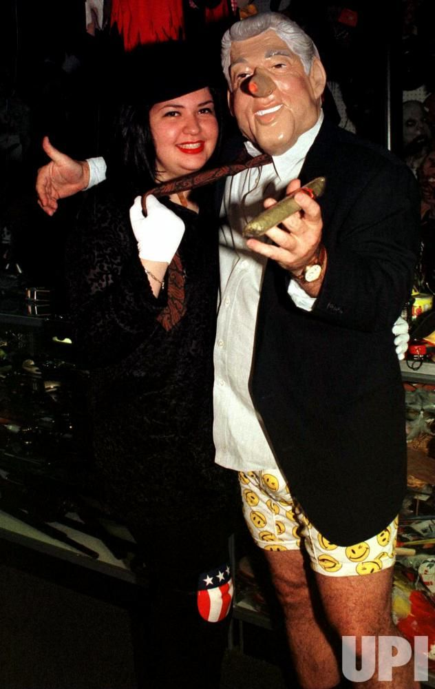 Monica Lewinsky-President Clinton Halloween costumes unveiled ...