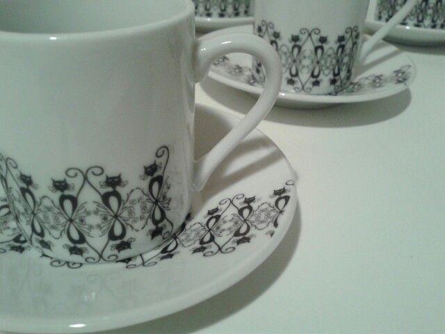 Porcelanas coleção Renda....se. Gatos. @coisasdabubu