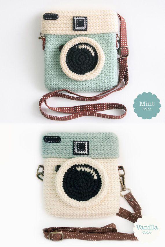 Crochet Lomo Camera Purse/ Pastel Mint Color
