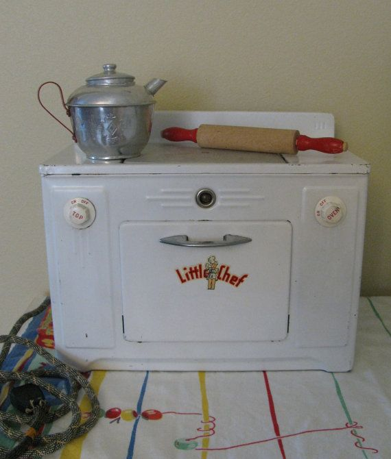 Vintage Mid Century 1950's Little Chef Metal Tin Toy Stove Works Heats SUPER Condition