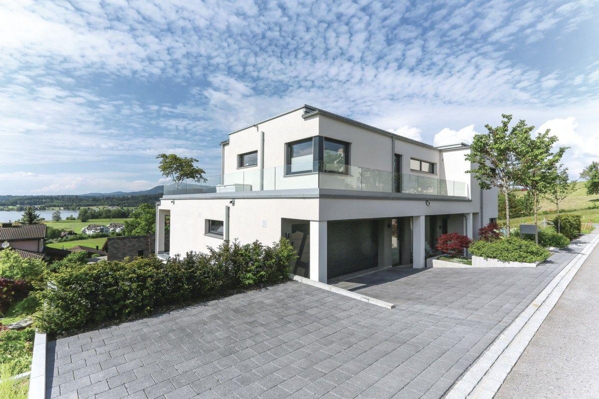 Stadtvilla im Bauhausstil mit Garage - WeberHaus Fertighaus Villa ...