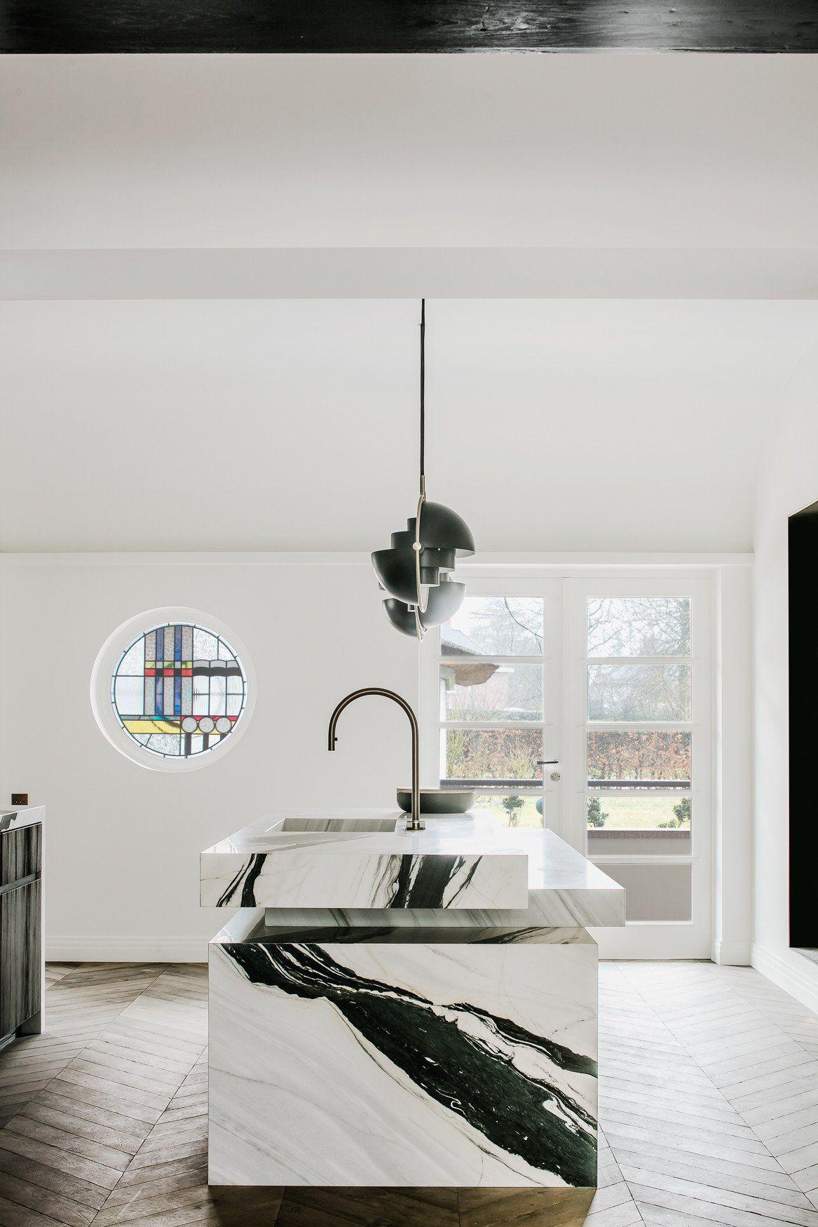 Villa de Nil Interior Joseph Dirand obumex Kitchen