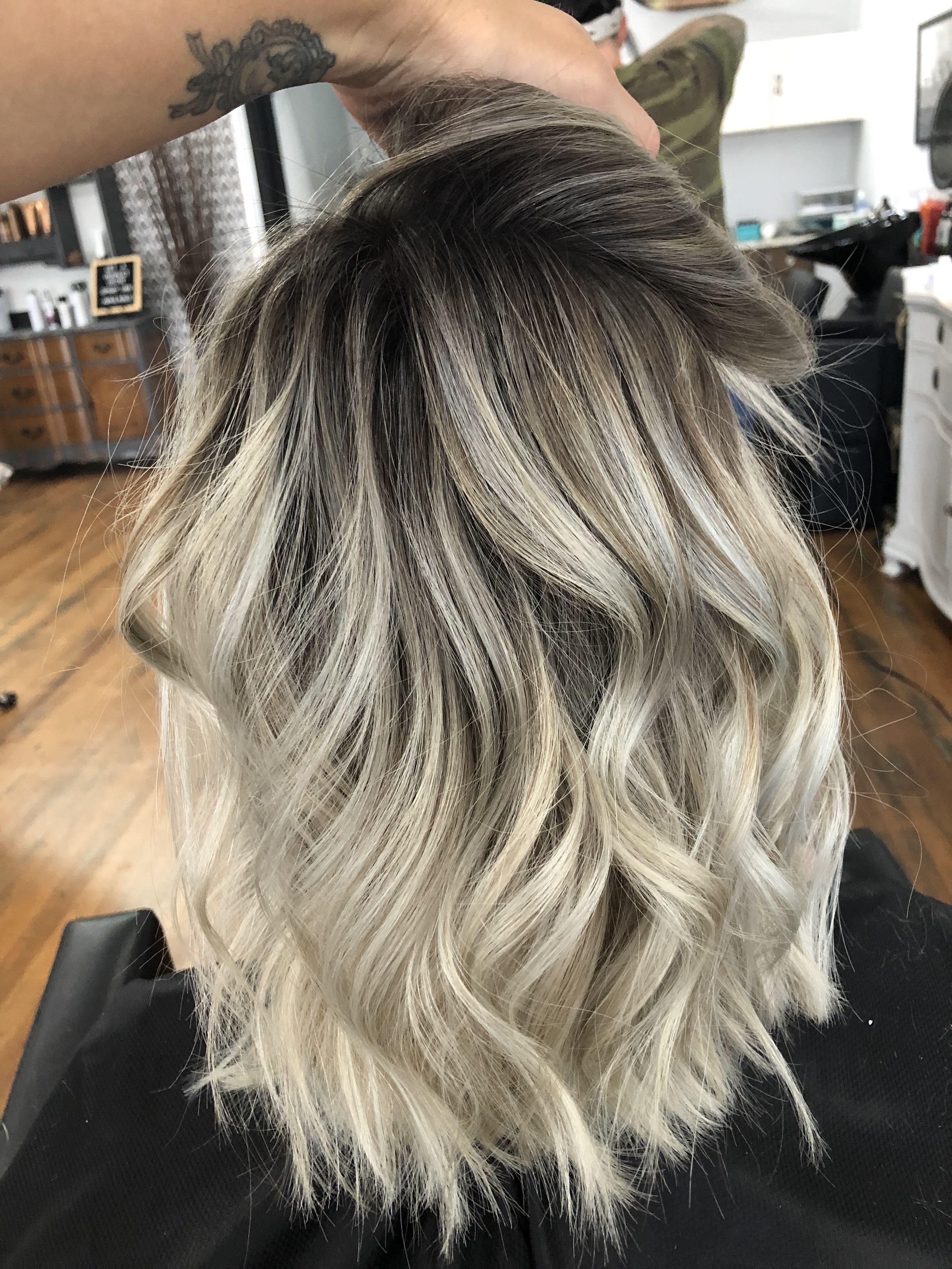 Shoulder Length Blonde Balayage Mid Length Blonde Hair Shoulder