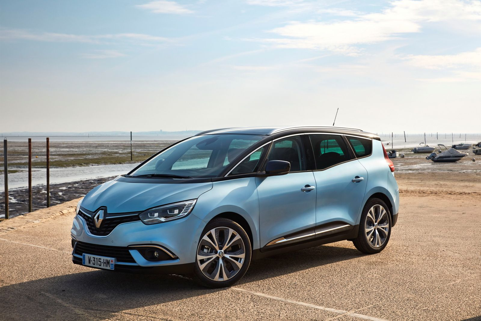 Renault Drops Massive Gallery With New Scenic Grand Scenic 138 Images Carscoops Scenic Renault Renault Old Classic Cars