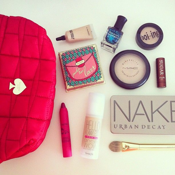 What's In Your Makeup Bag? ♡