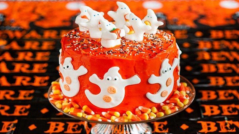 Spooky Layered Halloween Cake Recipe Halloween cakes