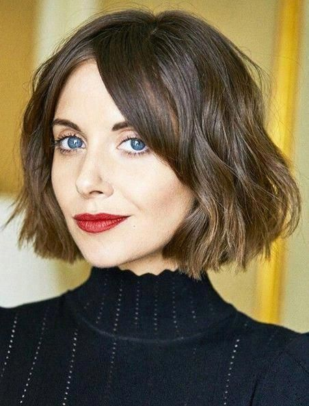34 Short Bangs That Are Totally Hot in 2019