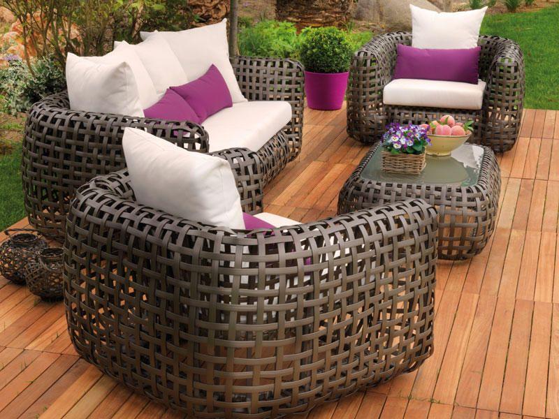 Muebles de exterior para disfrutar al aire libre Patios
