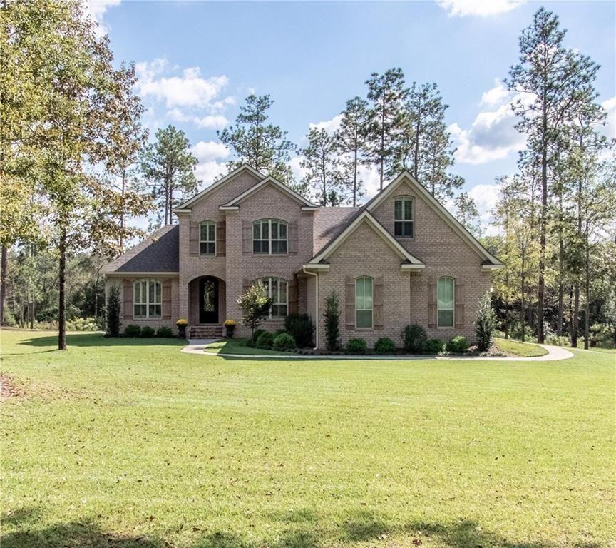 Saraland Houses: 2597 Radcliff Rd, Saraland, AL 36571