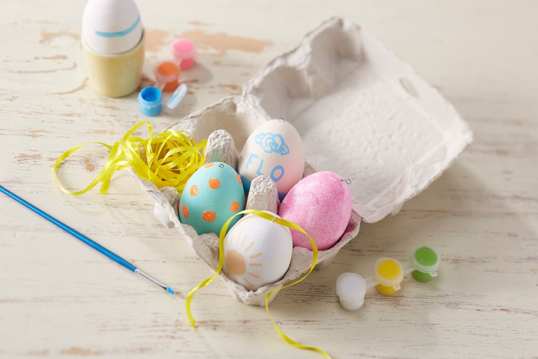 How to Paint Ceramic Easter Eggs #easter #diy #decoration #kids