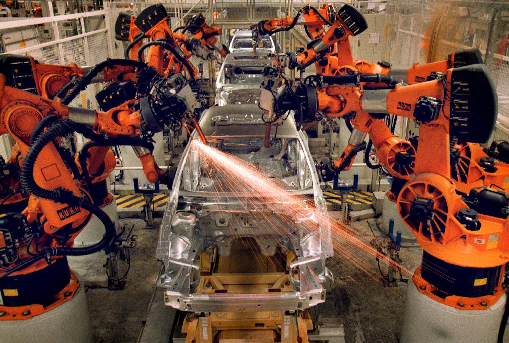 Картинка роботы на производстве