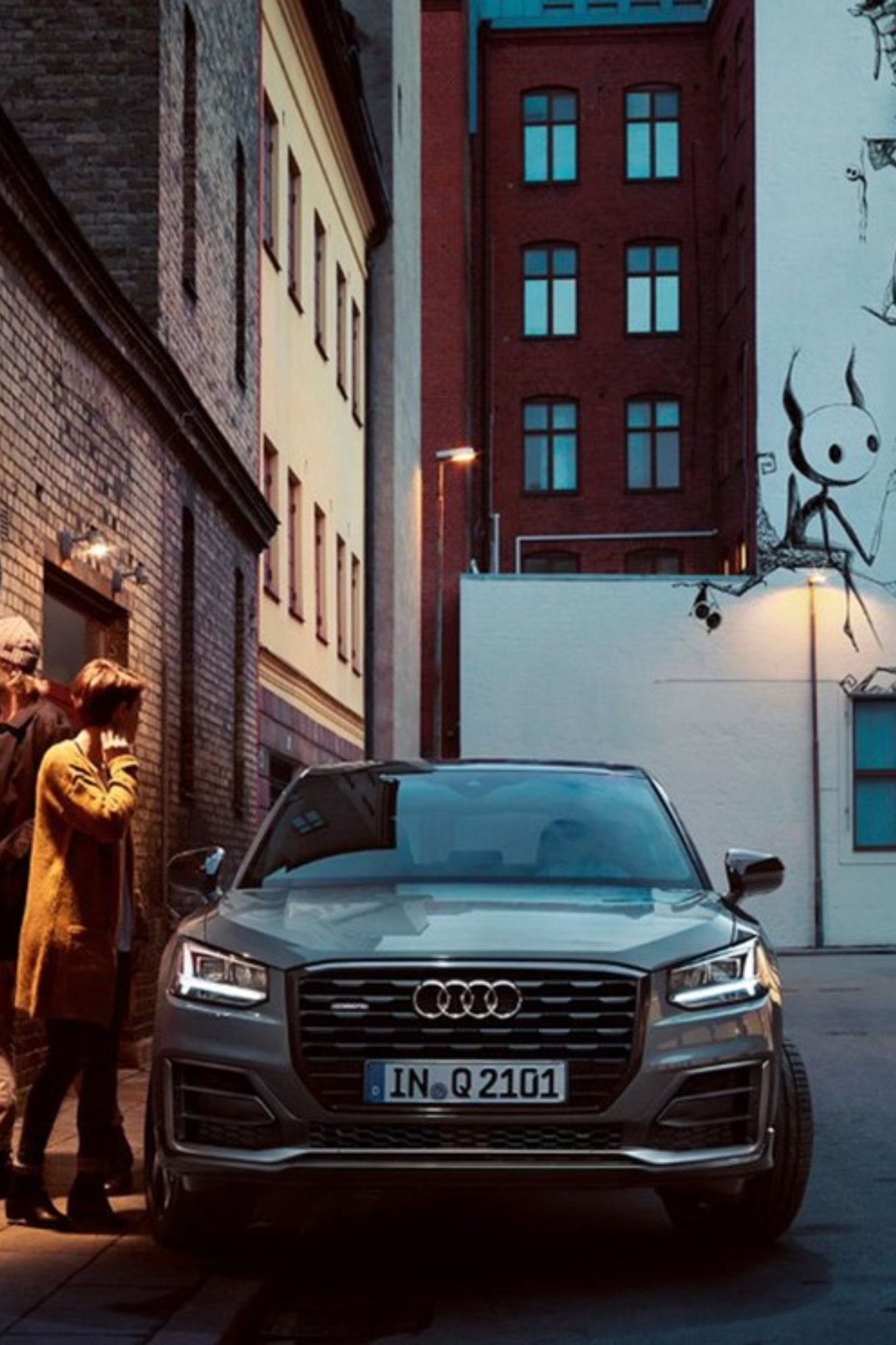 Audi Q2 19 アウディ ポルシェ カイエン カイエン
