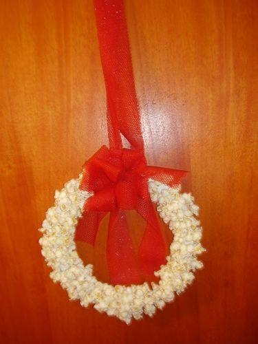 Photo of ghirlanda natalizia di popcorn