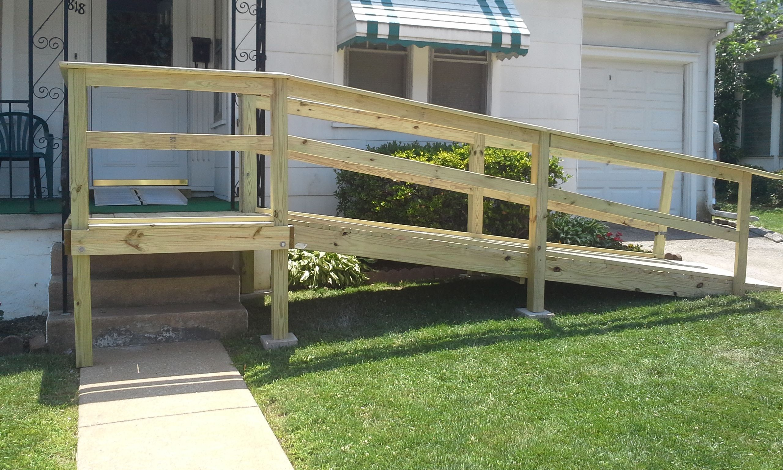 Small front porch with wheelchair assess wooden porch for Handicap stairs plans