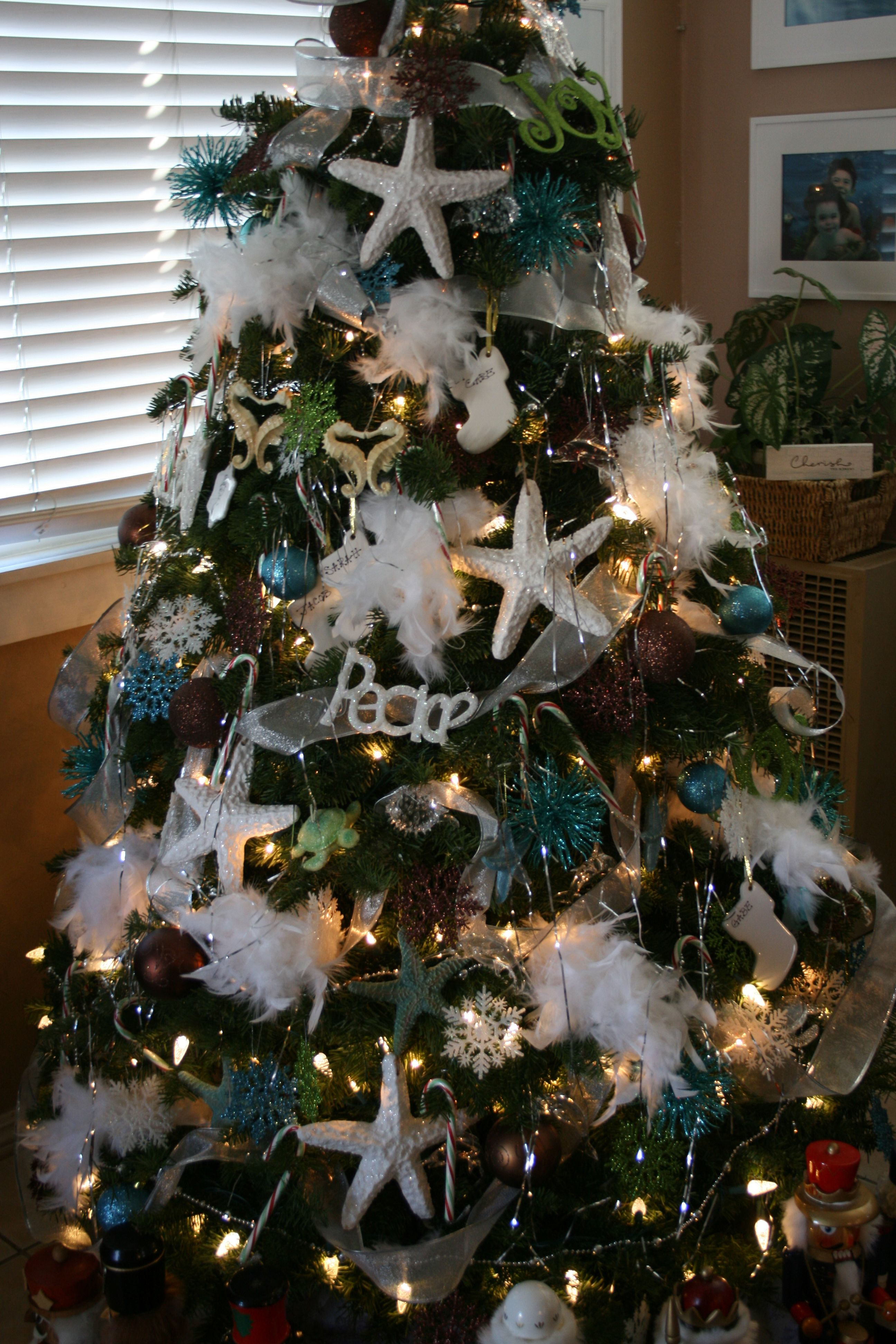 ocean themed christmas tree for future beach house all. Black Bedroom Furniture Sets. Home Design Ideas