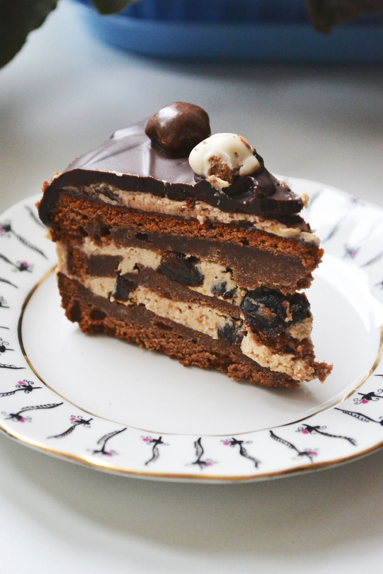 торт безе шоколад в черносливе рецепт