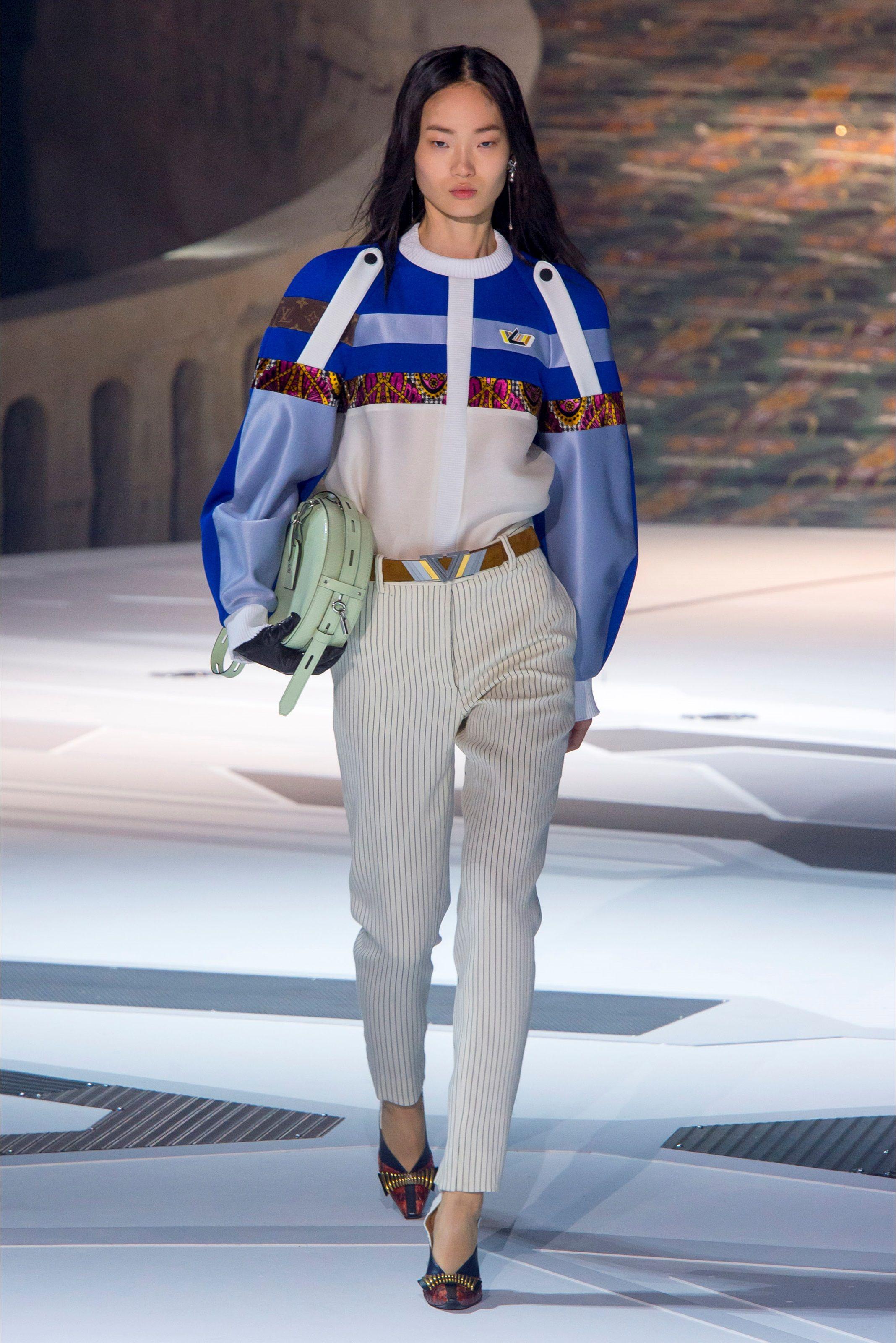 Photo of Sfilata Louis Vuitton Parigi – Collezioni Autunno Inverno 2020-21 – Vogue