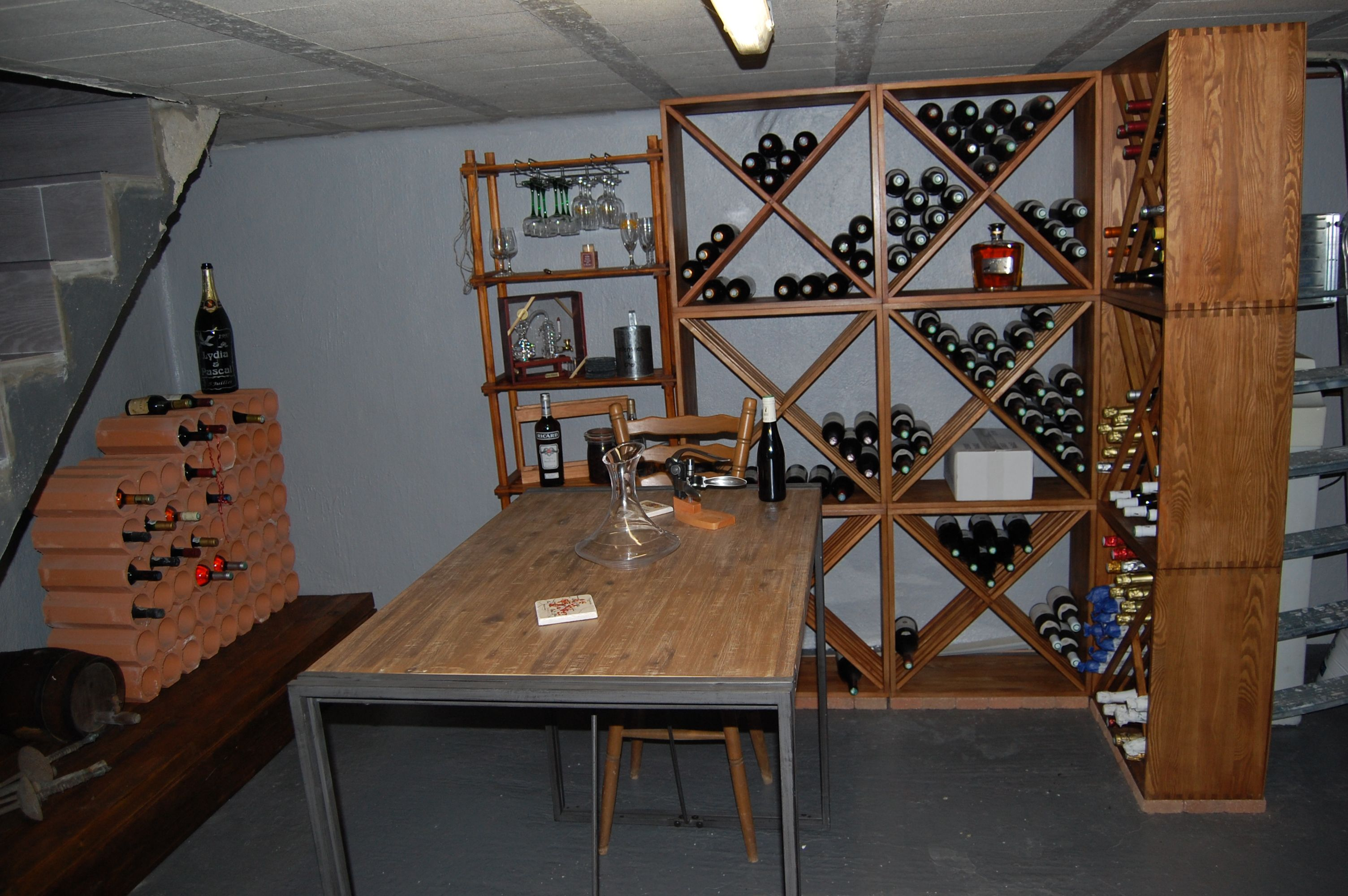 casier bouteilles casier vin rangement du vin am nagement cave casier bois cave. Black Bedroom Furniture Sets. Home Design Ideas