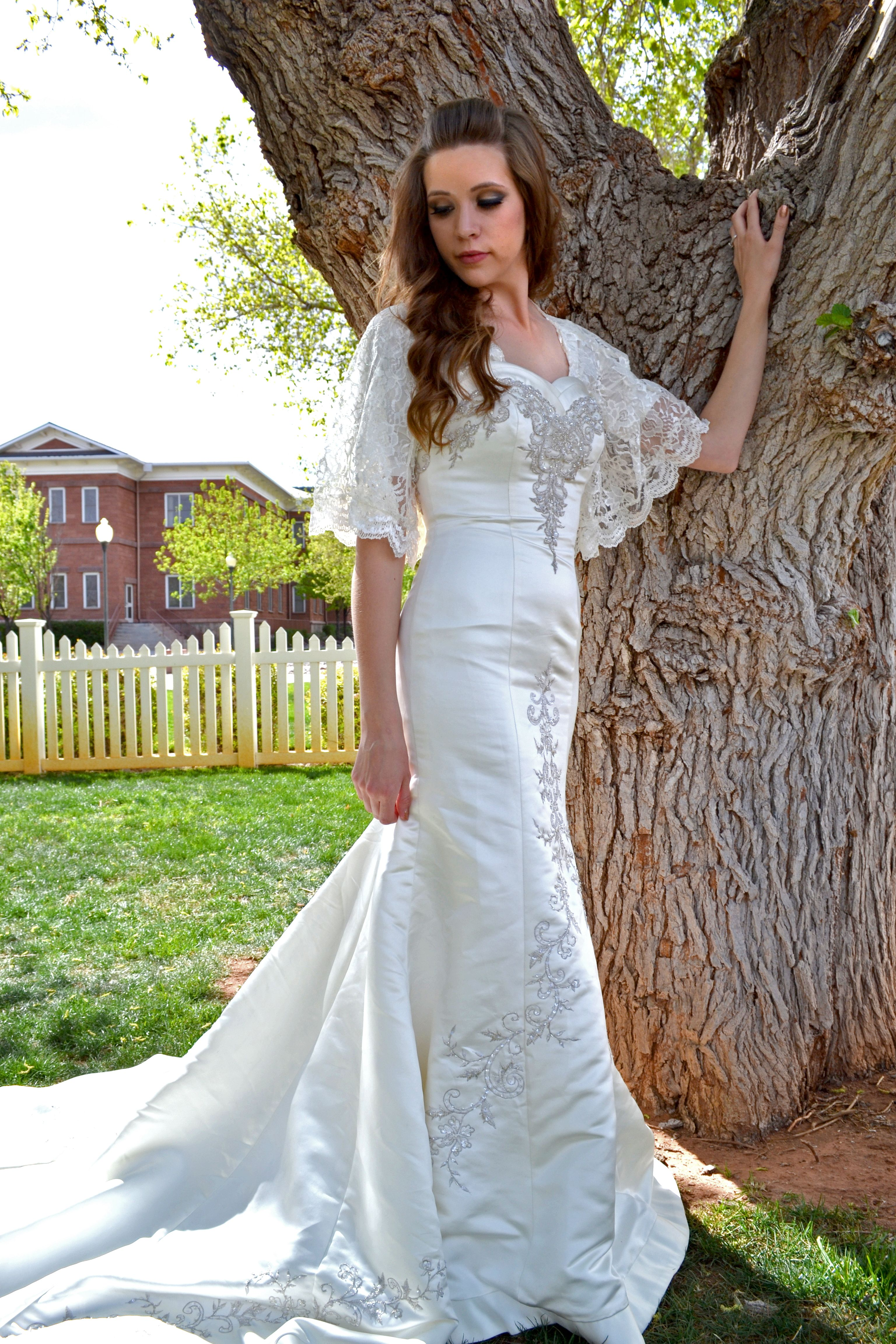 Patterns for wedding dresses  Used a simple batwing shirt pattern and   off lace at Hobby Lobby