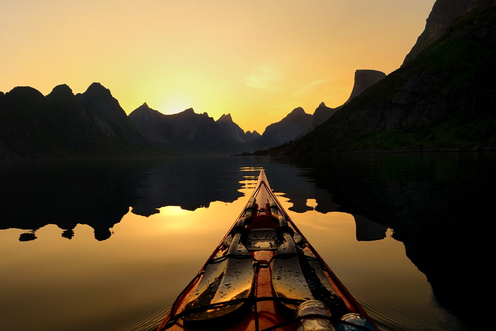 25 Photos That Will Make You Want to Go Kayaking Right Now