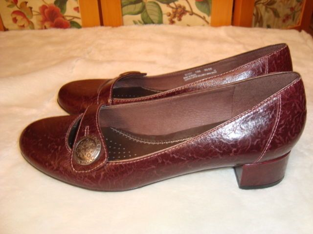 Leather · New Clarks Artisan Sz 10 M Women's Mary Jane Plum Purple Leather  Low Heel Shoes #