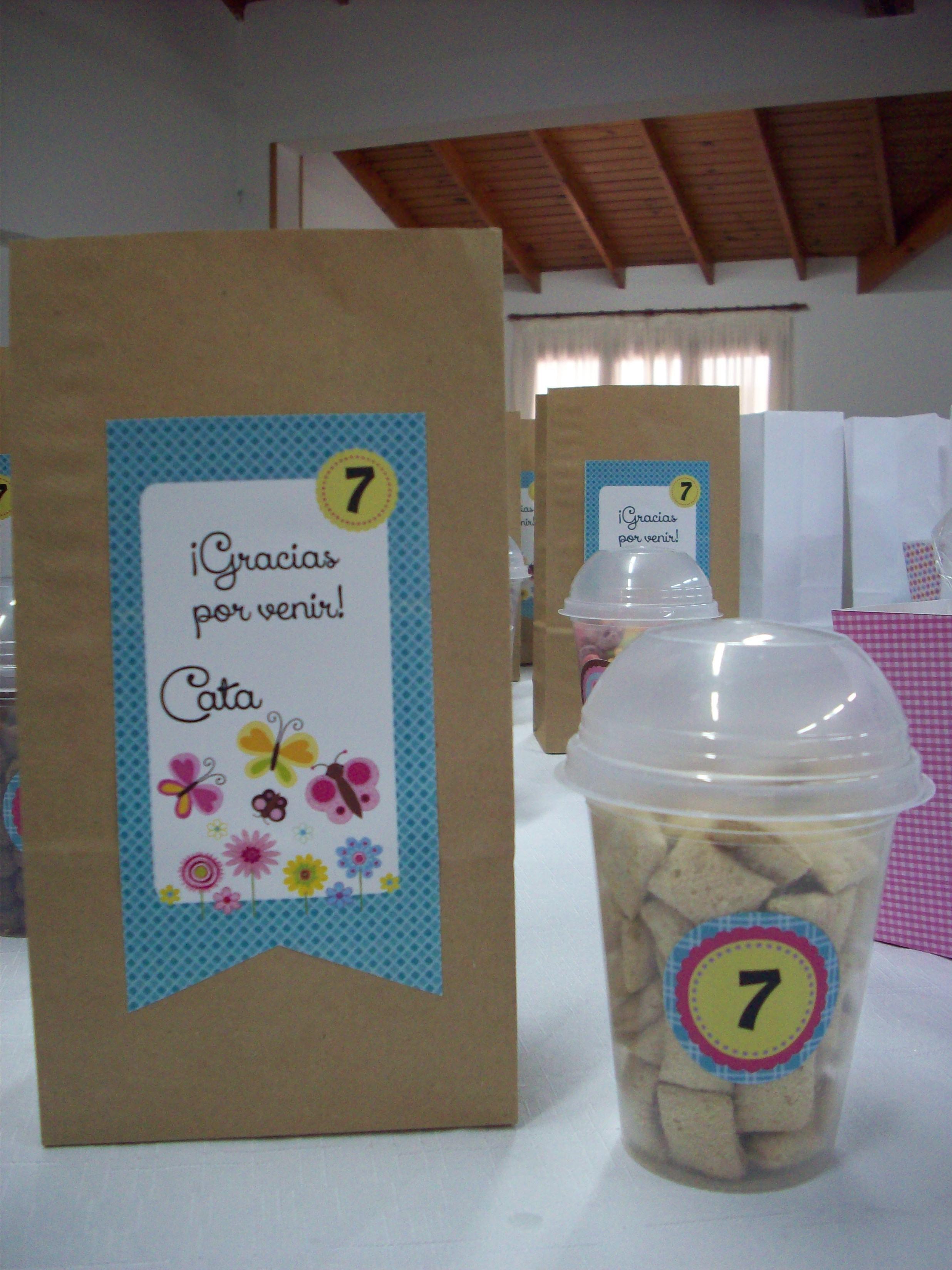 1610c64e7 Bolsa de papel para las sorpresitas y vaso con cereales. | lindas ...