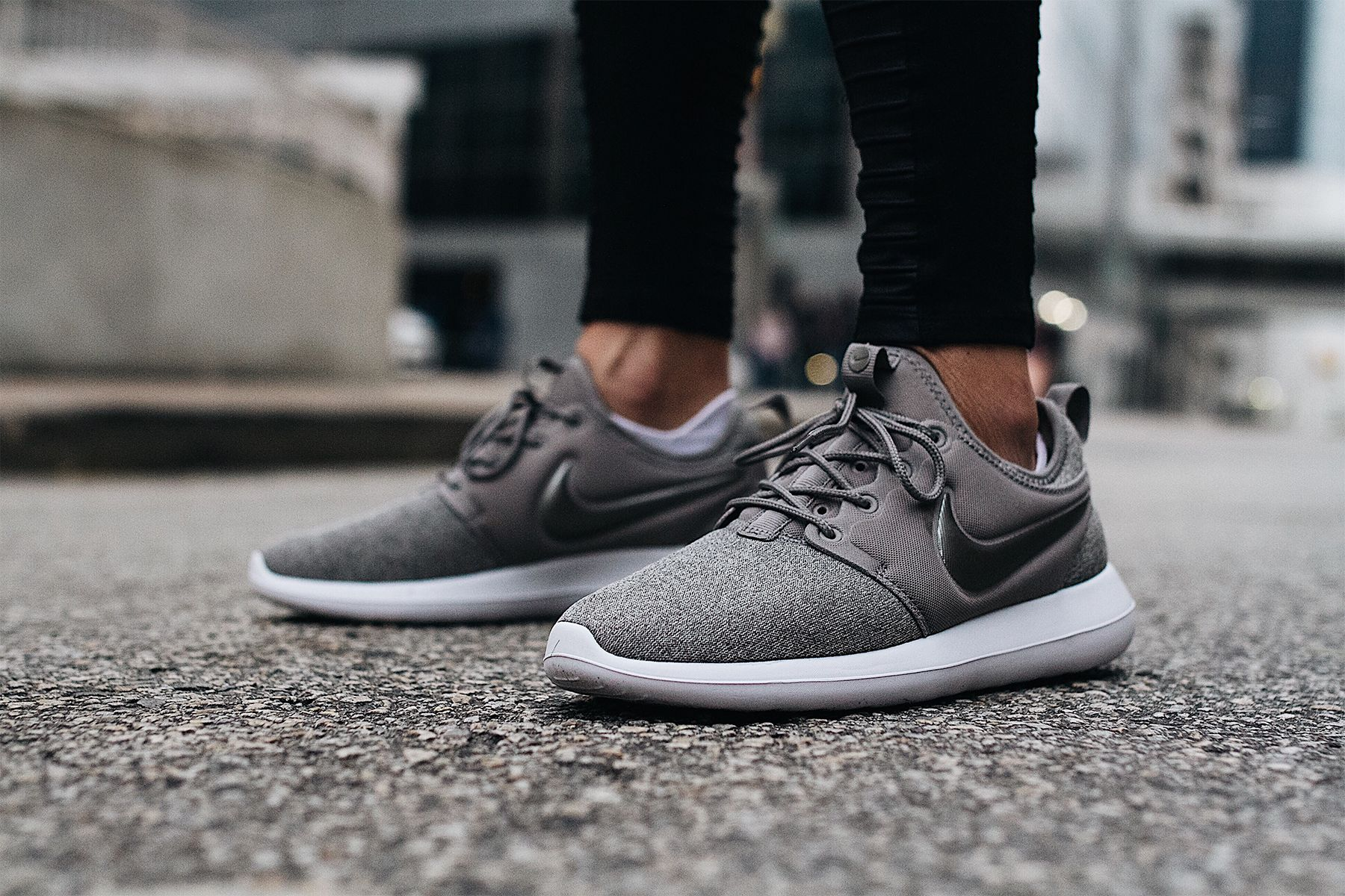 innovative design da0d4 ce32b Nike Roshe Two Knit Grey Sneakers Fashion Jackson Dallas Blogger Fashion  Blogger Street Style
